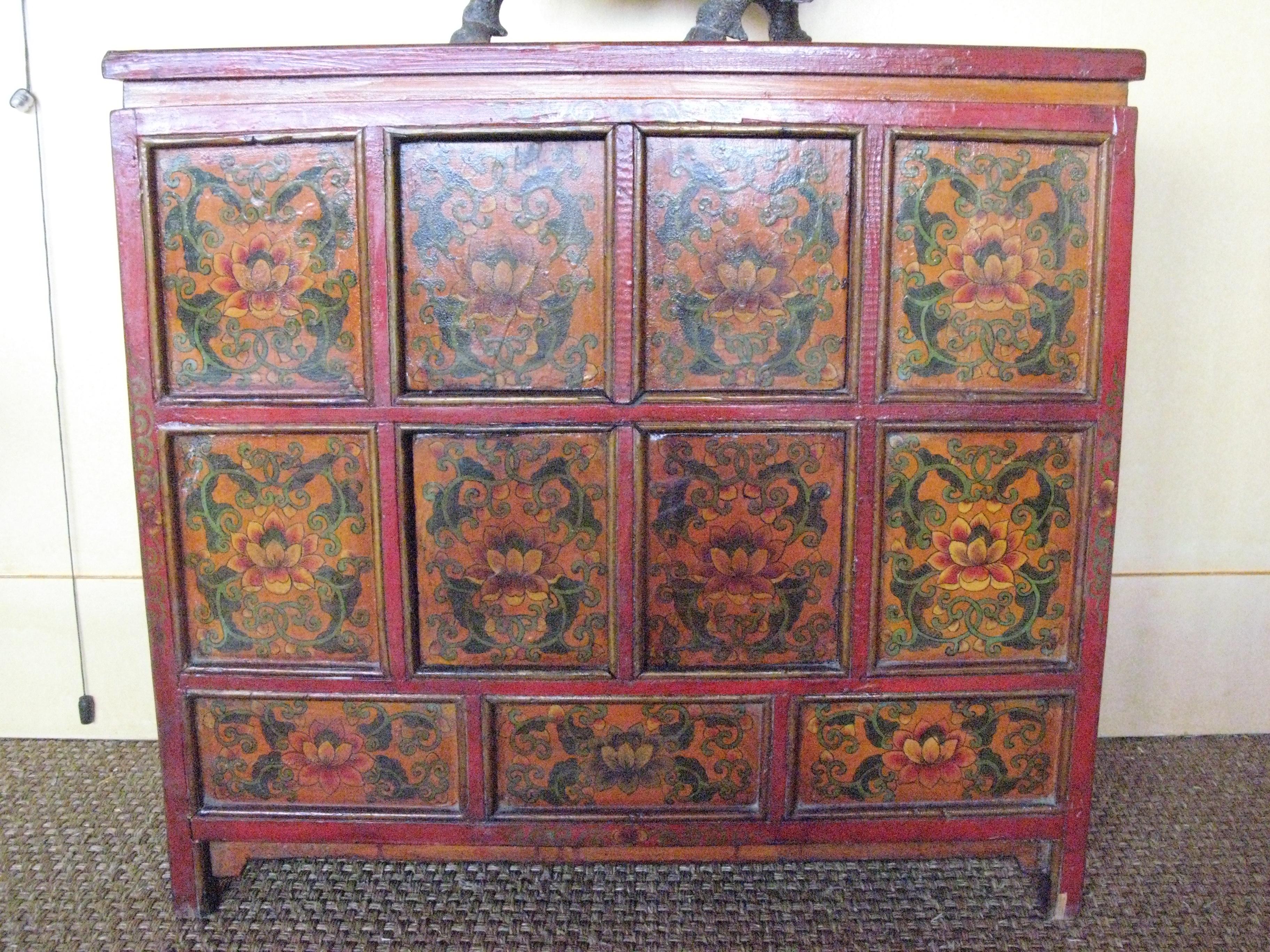 Bahut hu6 comptoir de java toulouse meubles objets for Meubles asiatiques anciens